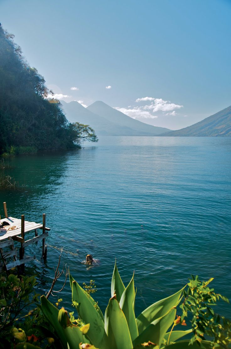 lakeatitlan1.jpg