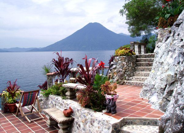 lakeatitlan4.jpg