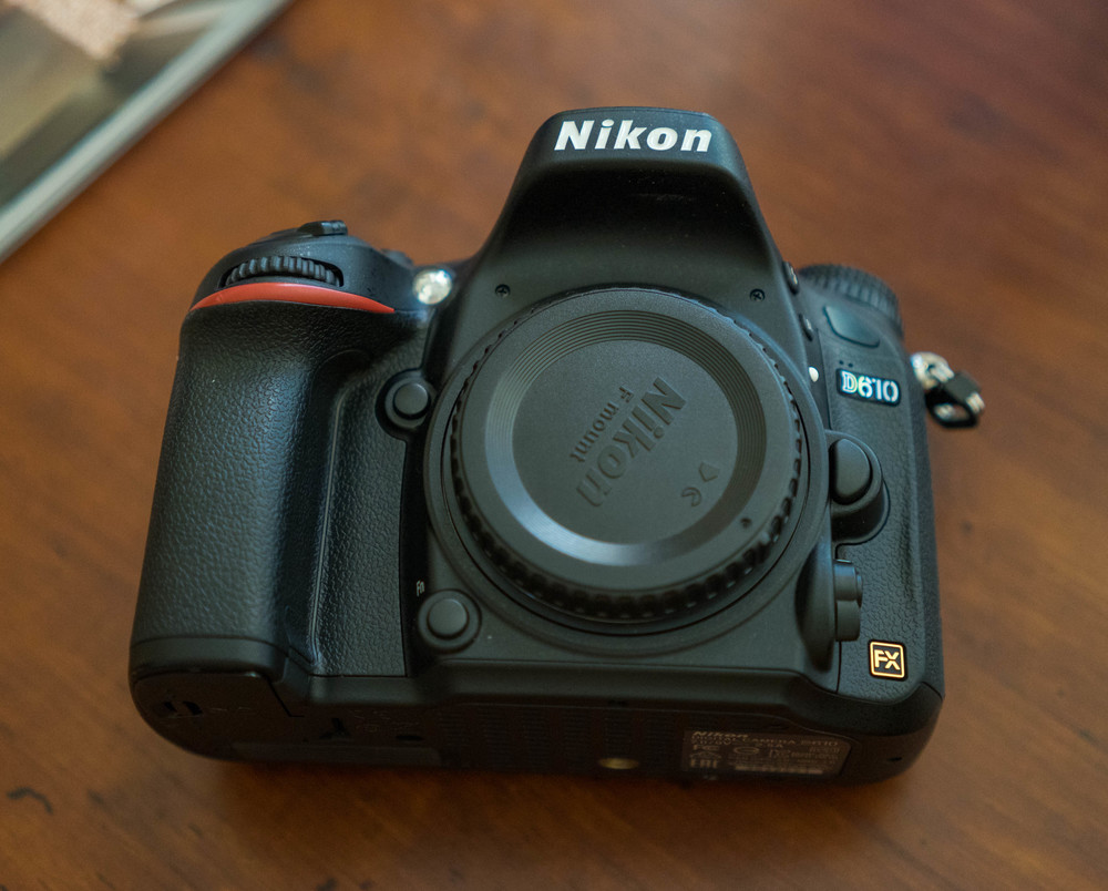 Nikon D610 full frame 35mm sensor with 24.3 megapixels