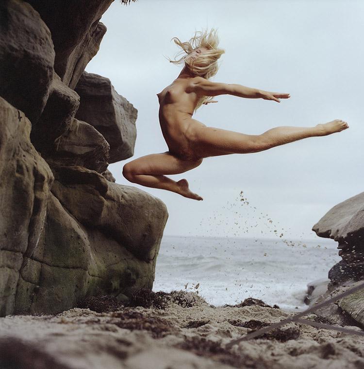 Jumping Nude 20-83.jpg