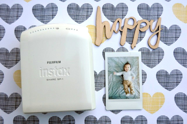 Amy Tangerine loves the Instax Share