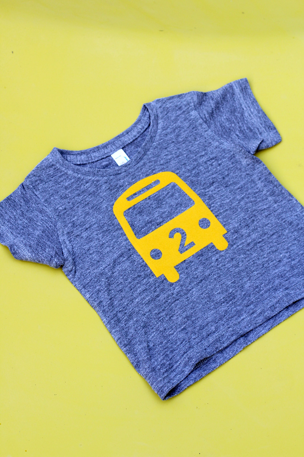 DIY Bus T-Shirt | Amy Tangerine