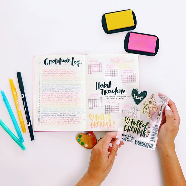 Lessons in bullet journaling ✨ I love the gratitude log and will continue doing it but perhaps not in rainbow order. The idea of the habit tracker is still better to me than the execution. Stamping with an ombré effect is fun! Simply put the light ink color on the stamp first and then add the darker color to just half of the stamp. How's your #bujo going?
