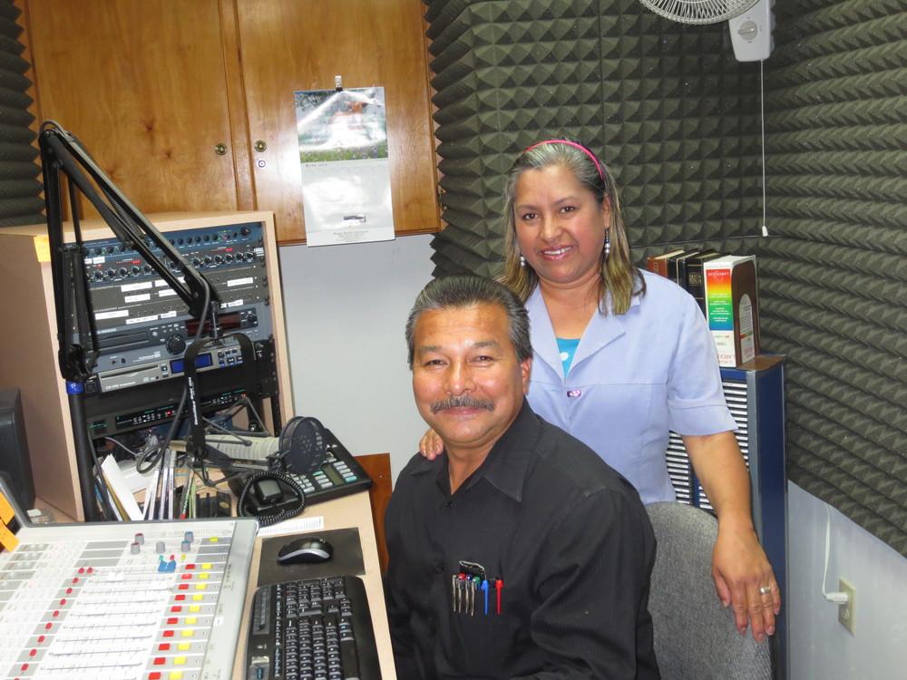 Rev. Francisco y Sra. Guille Santacruz