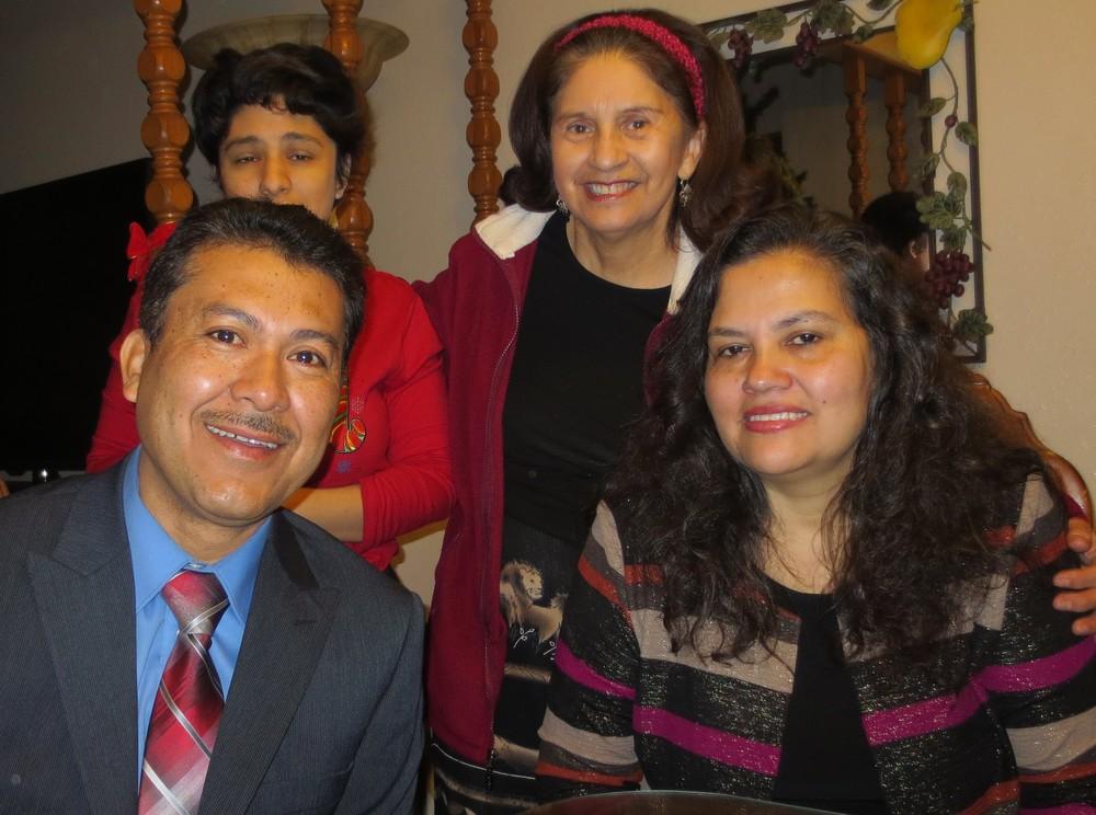 Cantante Evangélico: Fernando y Sra Orfelinda Cabrera