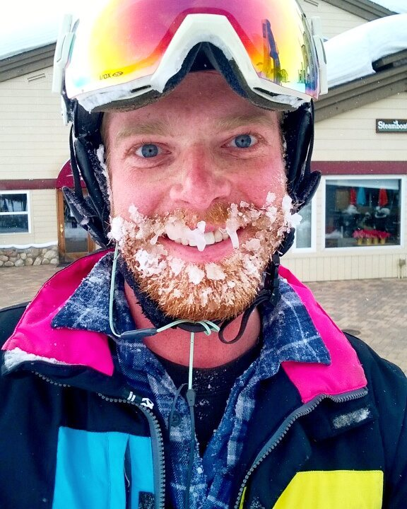 The happy face of a pow day. And now, building poles! #skialldayworkallnight #bambooisbetter #skiing #powderday #steamboat @justandrewprolly.jpg