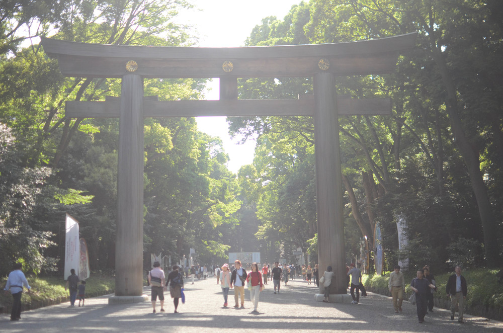 The giant tori gate which marks the entrance to Meiji Jingu