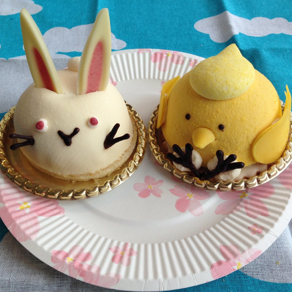 Spring themed (Easter) cakes eaten at a hanami picnic