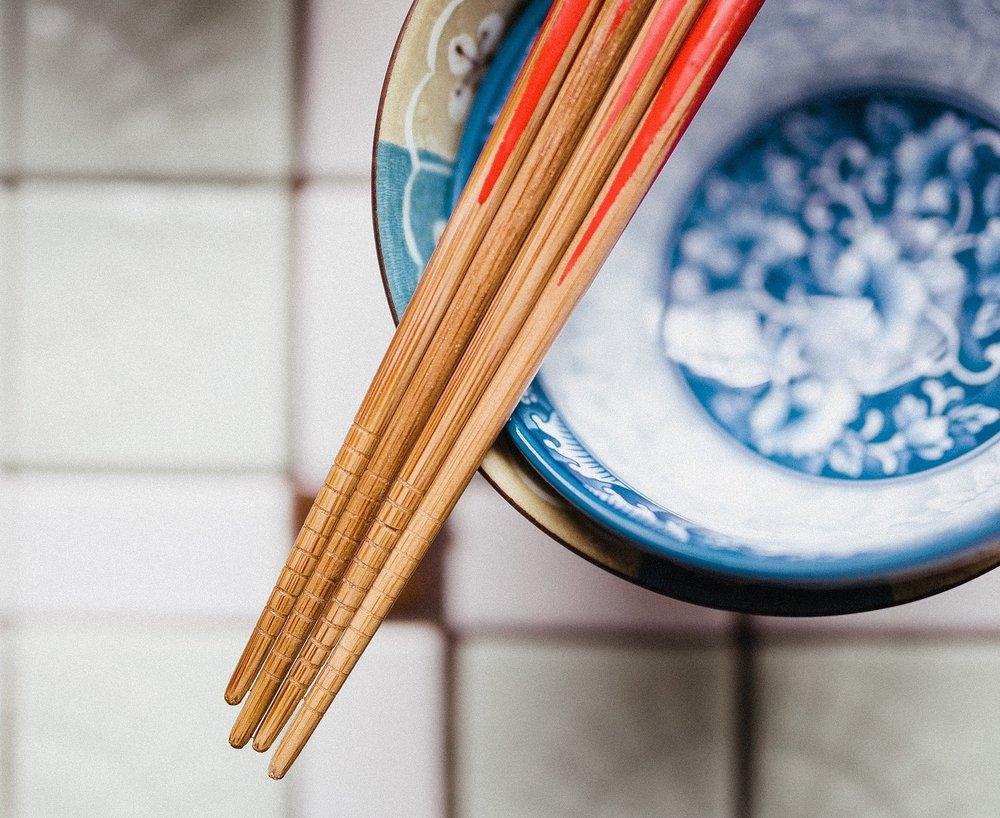 chopsticks-932834_1920.jpg