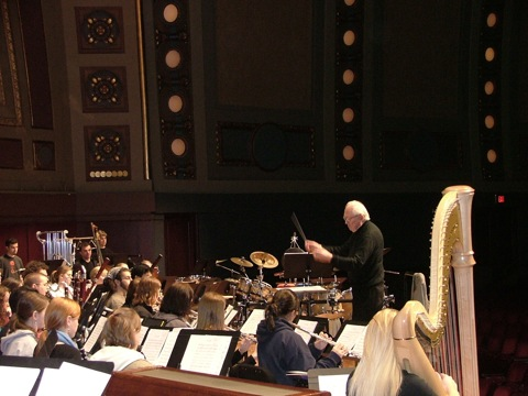 H. Robert Reynolds conducted the world premiere of Bandanna Overture.
