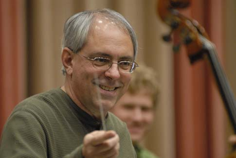 Michael Haithcock premiered and recorded the wind orchestra version of the concerto with the Baylor Wind Ensemble.
