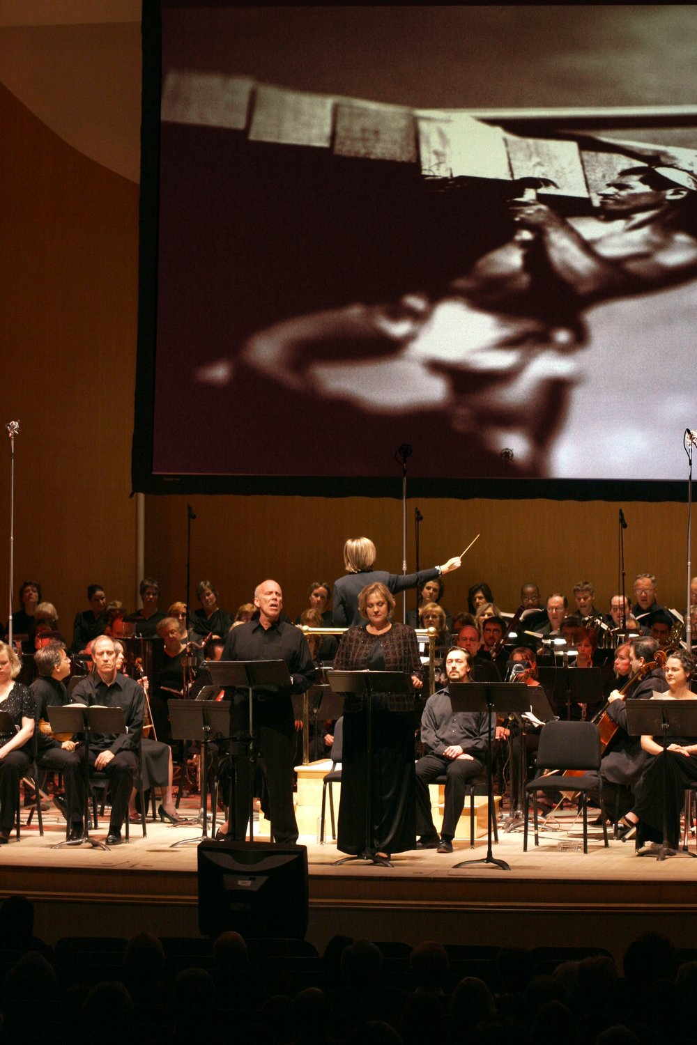 Robert Orth and Brenda Harris as Wright and Mamah Cheney in a concert performance by the Buffalo Philahrmonic released by Naxos.