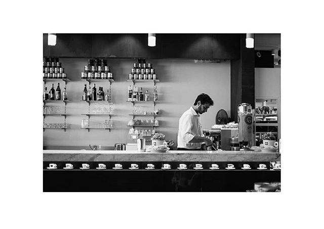 48h in Trieste, Italy. . Illy Coffee-Bar. . #coffee #goodmorning #espresso #lovecoffee #coffee_inst #italiancoffee #illy #illycoffee #trieste #livehappilly #photooftheday #bartekfurdal ##cupofcoffee #illyespresso #48hphotographyproject