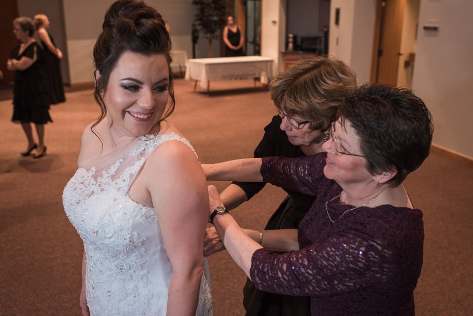 17.04.01_Napela Wedding-10bride, Lapum-Napela Wedding, livonia, michigan, mother of the bride, wedding gown.jpg