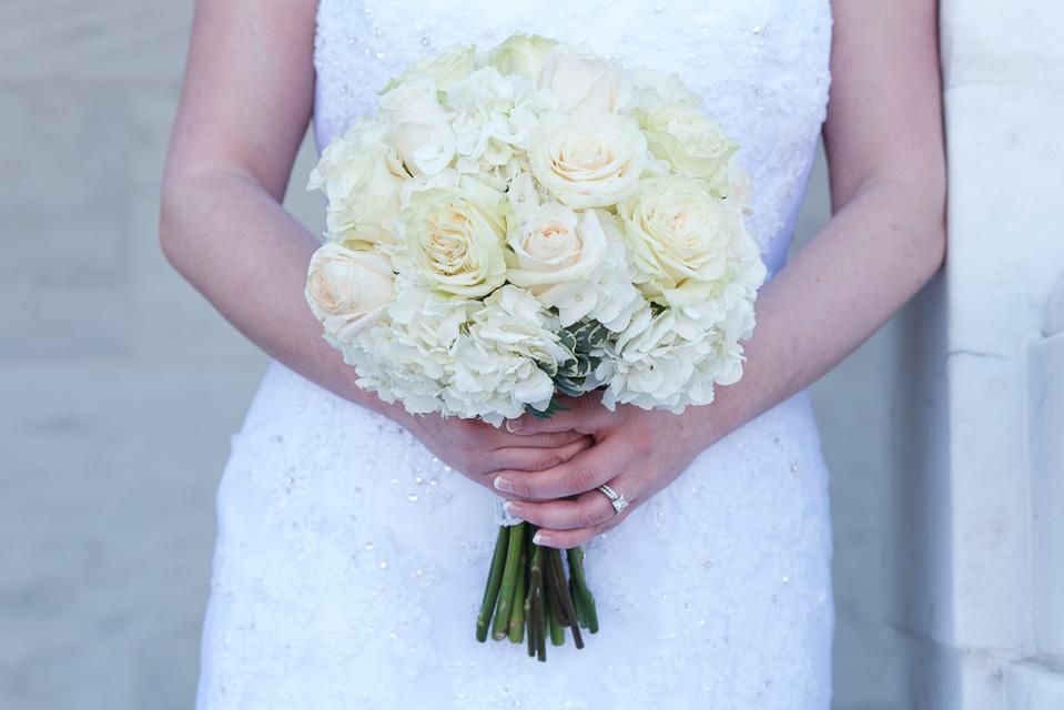 17.04.01_Napela Wedding-36bouquet, bride, flowers, Lapum-Napela Wedding, wedding gown.jpg