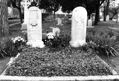英國濟慈的墓.jpg