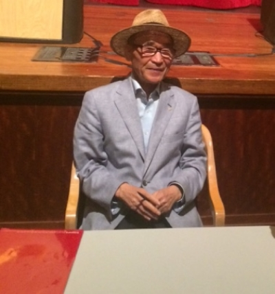 Ko Un ready to greet admirers at the Chicago Public Library, Thursday Oct. 2, 2014.  (Photo by Ramsen Shamon)