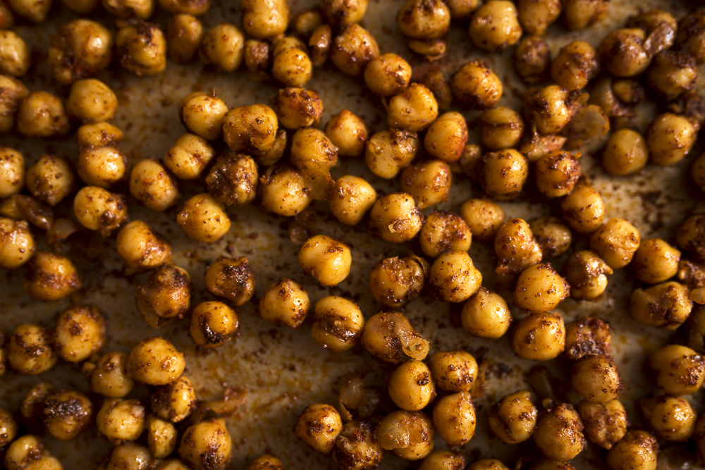FAT-Spice-Roasted-Chickpeas-114.jpg