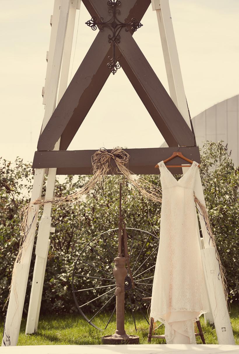 0048_aaron_borchers_studio_wedding.jpg
