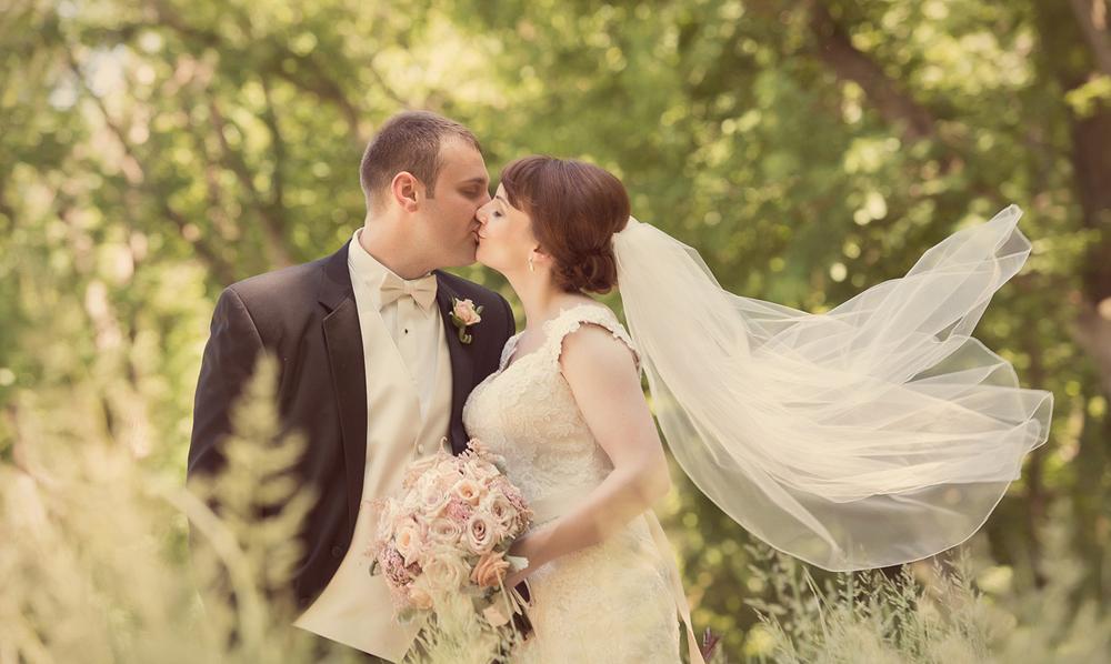 0050_aaron_borchers_studio_wedding.jpg