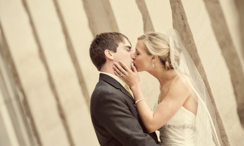 0065_aaron_borchers_studio_wedding.jpg
