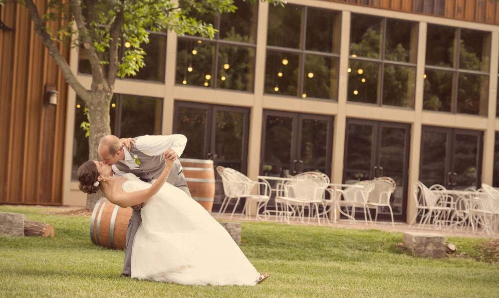 0066_aaron_borchers_studio_wedding.jpg