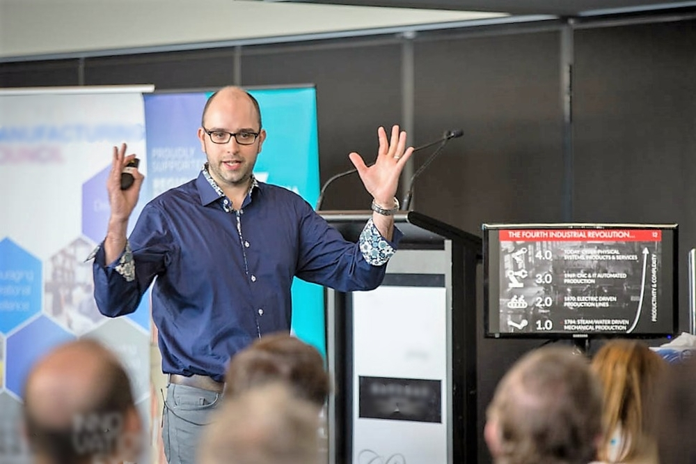 KEYNOTES & MENTORING: We perform keynotes and specialist workshops that inspire and motivate audiences to engage in innovation. We also offer one-to-one innovation mentoring for leaders looking to advance their innovation skills and strategy.