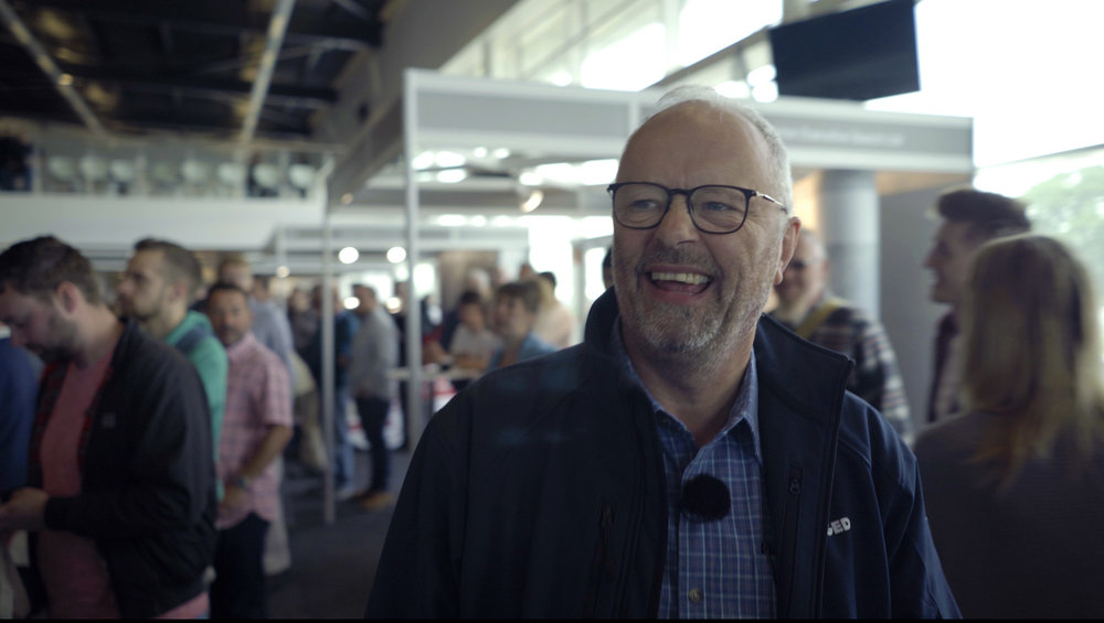 robert llewellyn fully charged live
