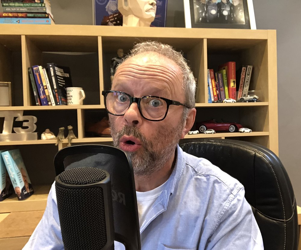 Robert Llewellyn recording a podcast with Jonny Smith
