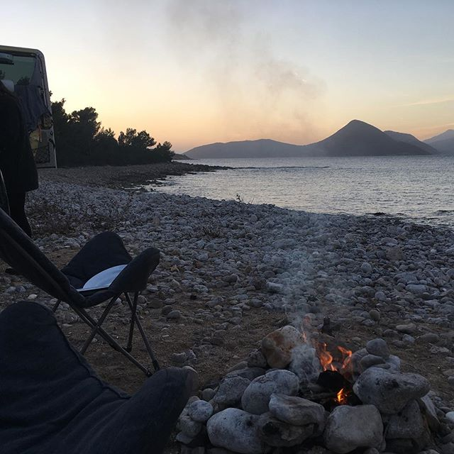 Follow our new adventures on instagram @churchill_1987 and join our newsletter on www.julicanorouzi.com  #beach #coast #campfire #outdoor #stepbystep #👣 #defender #churchill #overland #landroverdefender #4x4 #montenegro #balkan #mediterranean