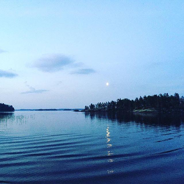 White nights ❤️ #sunset #sunrise #mood #lake #waves #nature #finland #suomiretki #relaxing #soundshade
