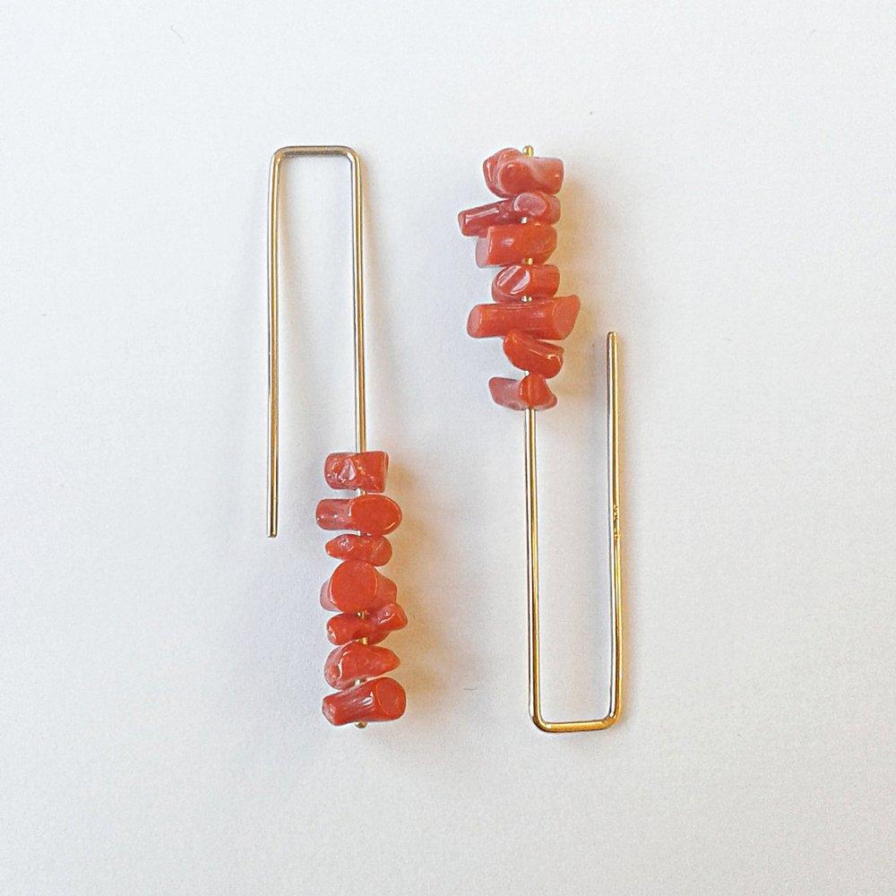 Ohrschmuck No.12 - Koralle / Roségold 750 / Fr. 240.00auch in Silber 925 erhältlich