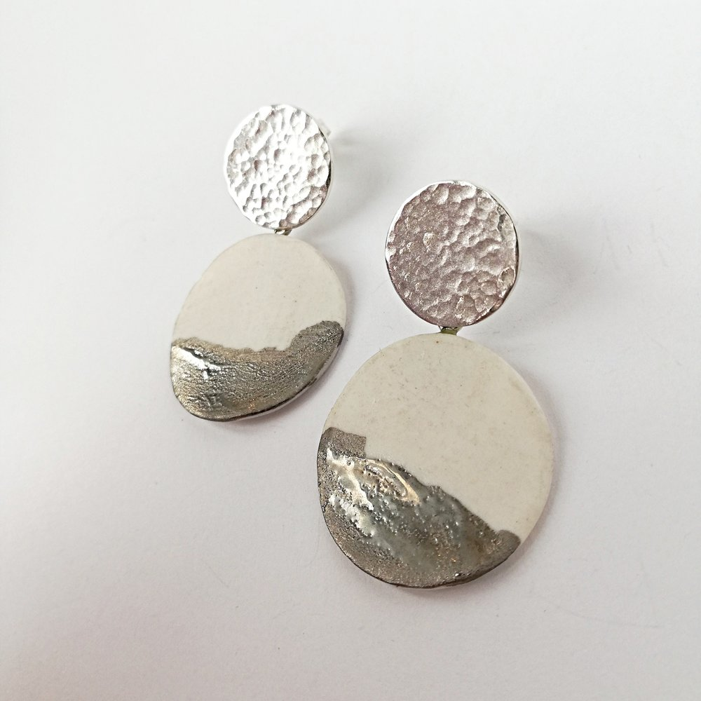 Ohrschmuck No.14 - Porzellan mit Platindekor / Silber 925 / Fr. 160.00
