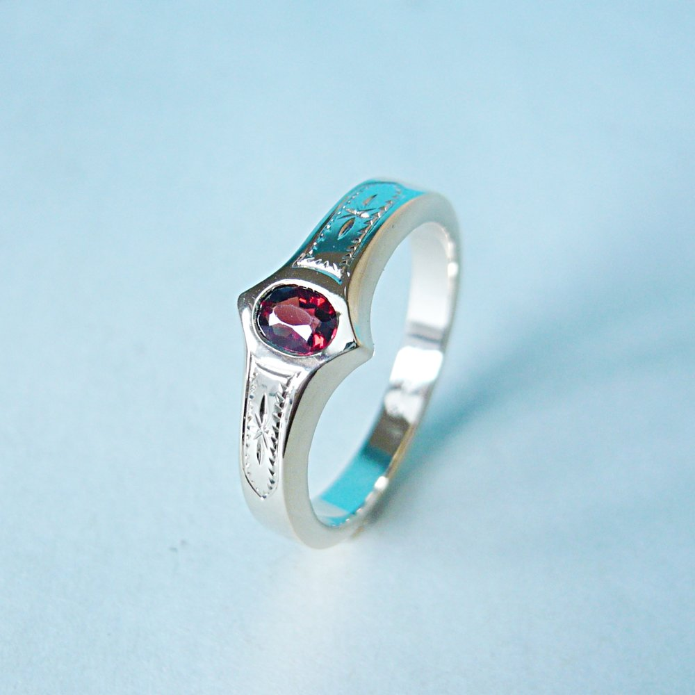 Ring - KundenanfertigungGelbgold 750 / Granat