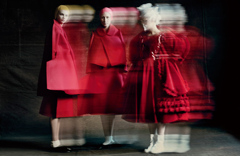 "Paolo Roversi/Comme des Garçons/The Metropolitan Museum of Art   Publicity photo for Rei Kawakubo's ""2 Dimensions"" collection (left and middle), autumn/winter 2012–2013, and her ""Invisible Clothes"" collection (right), spring/summer 2017"