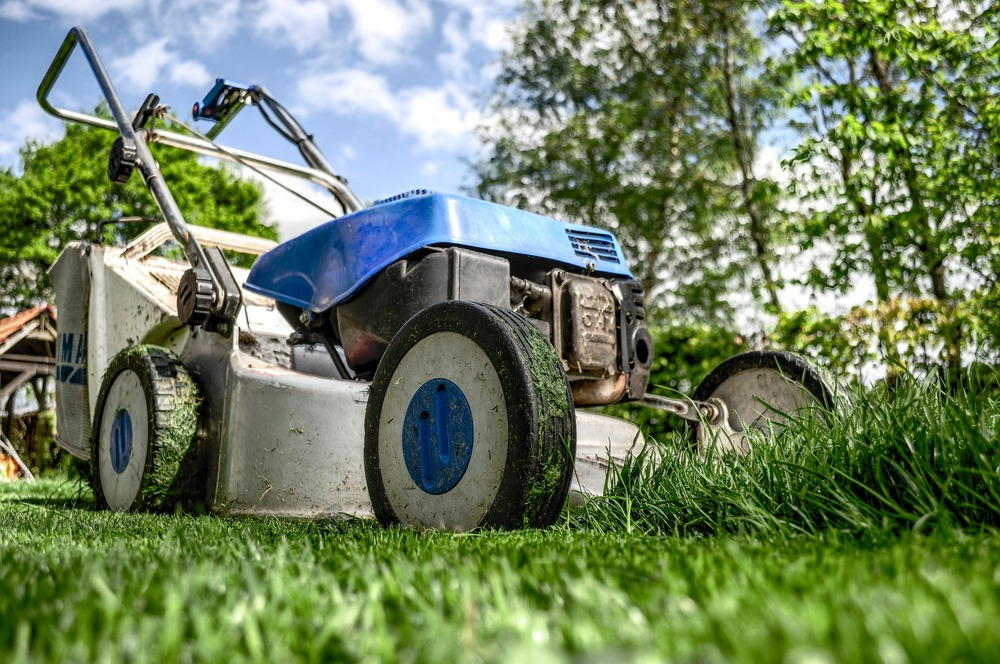 """ Lawnmower "" by  Skitterphoto  is  public domain ."