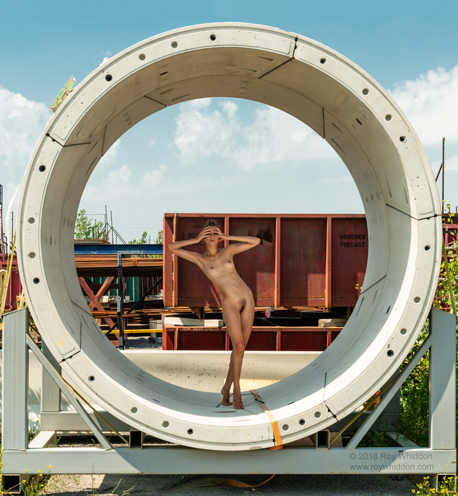 Model: Kate Snig