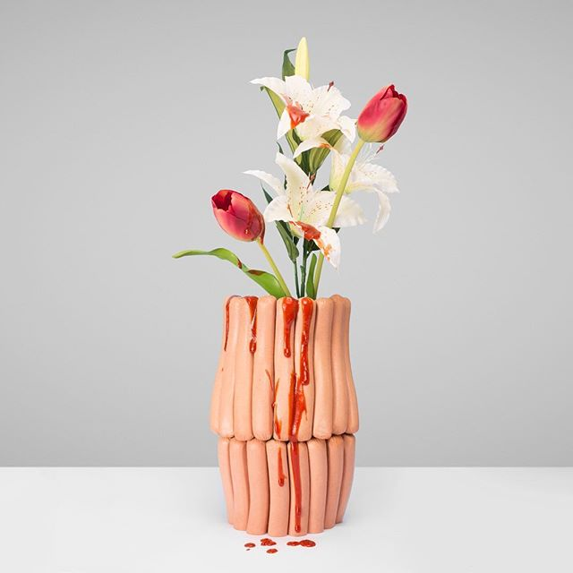 Hotdogs and ketchup vase with flowers 🌭👅💦 #food #hotdog #ketchup #flowers #vase