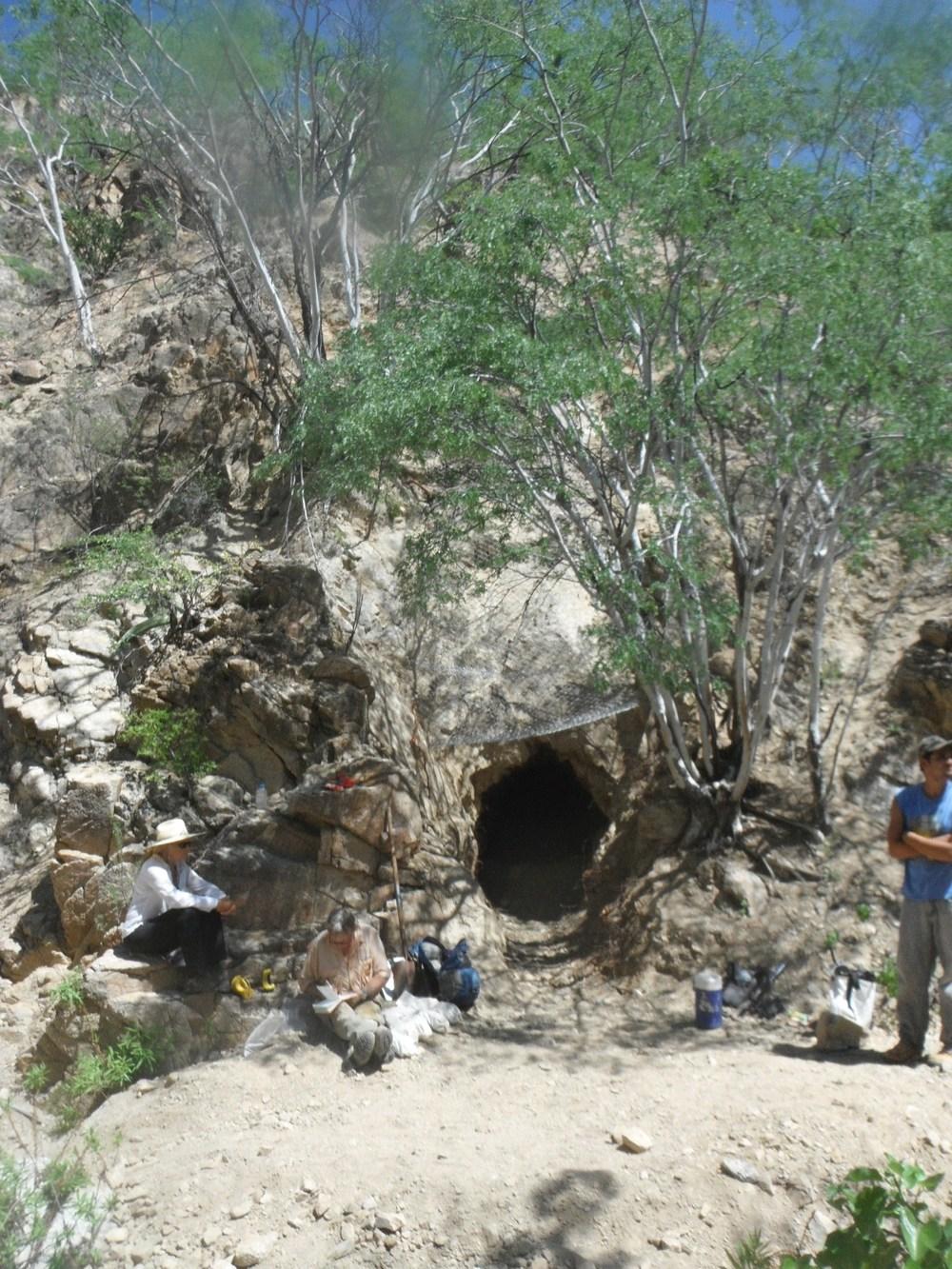 Un túnel abandonado descubierto por nuestros geólogos e historiadores.