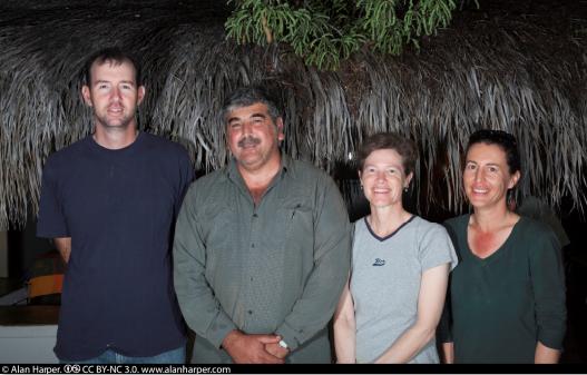 El equipo de ornitología trabajando en Rancho Cacachilas, BCS.