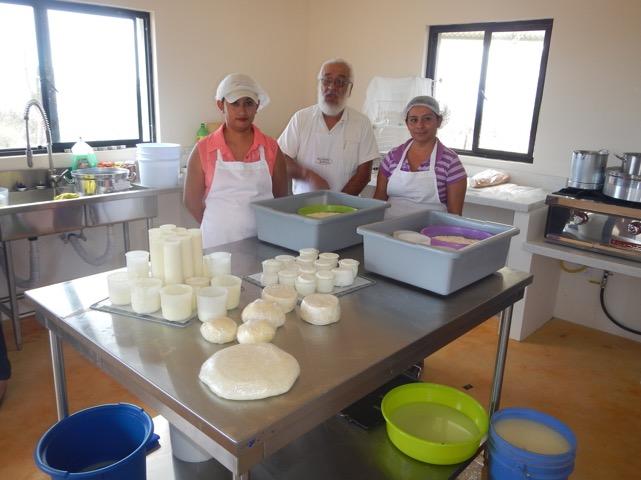 taller-elaboracion-quesos-rancho-cacachilas-carlos-peraza-bcs