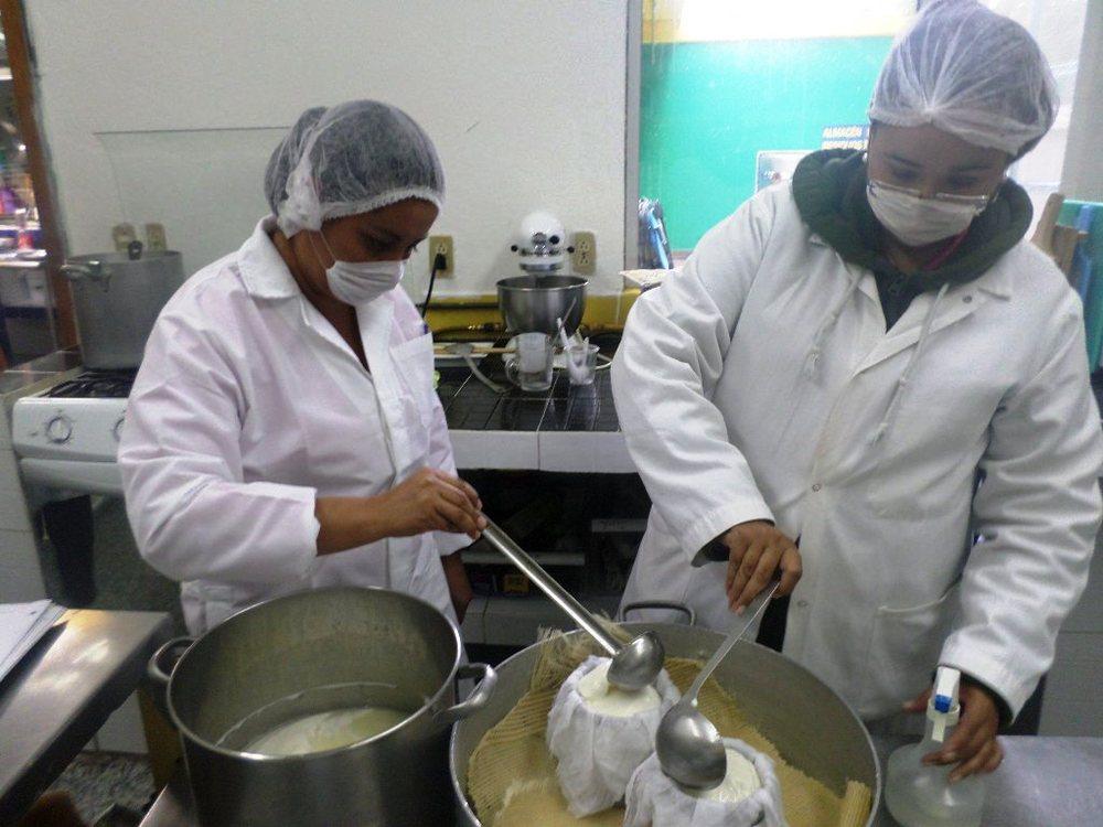 training-artisanal-cheese-baja-california-sur-mexico.JPG