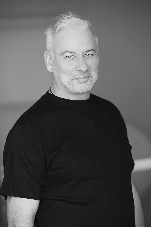Paul, Stylist