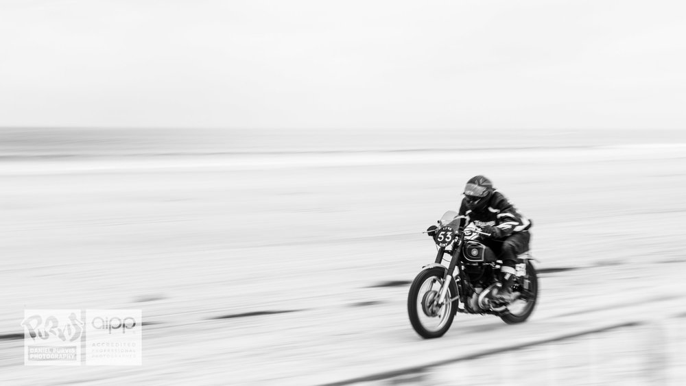 (53) Daryl House pushing a 1948 AJS to the limits—great posture and exciting rider. © Daniel Purvis