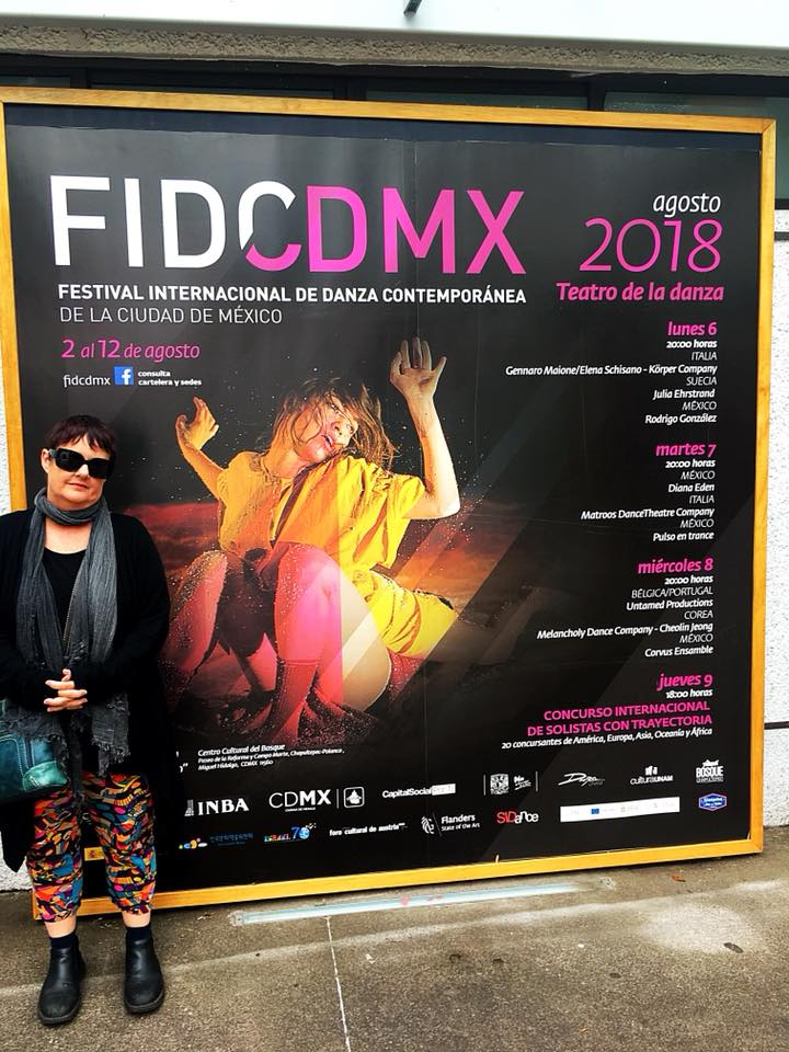 Lisa was thrilled to be selected for the finals of the Contest for Mature Soloists as part of the Festival of International Contemporary Dance in Mexico City after her performance in the pre-selections.
