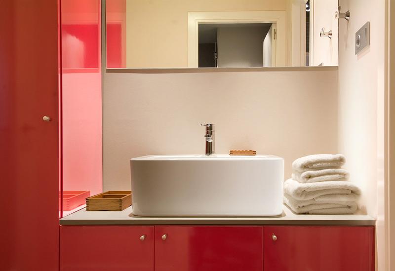 apartment-barcelona-palacete-tibidabo-lavabo-big.jpg.jpg