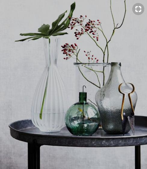 Fuente: Todas las fotos que ilustran el post están recogidas en nuestro tablero de Pinterest  Decorar con frascos y botellas de cristal
