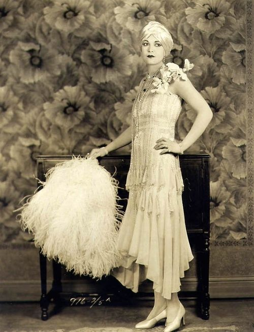 flapper fashion 3.jpg