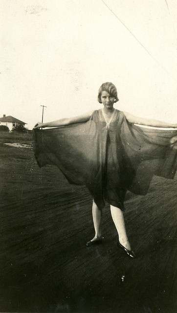 flapper fashion dip dye.jpg