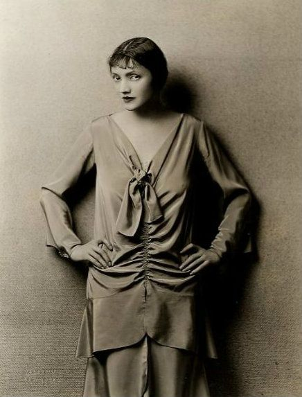 Katharine Cornell, 1920s.jpg